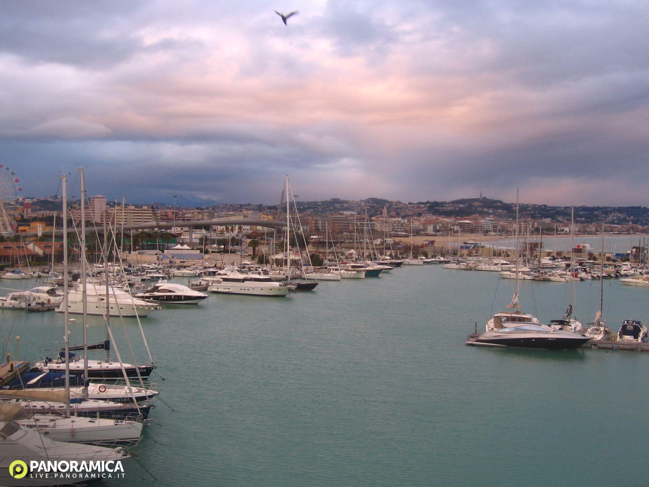 Pescara Camera Live : Pescara live panoramica.it: foto del 29 12 2017 08:00