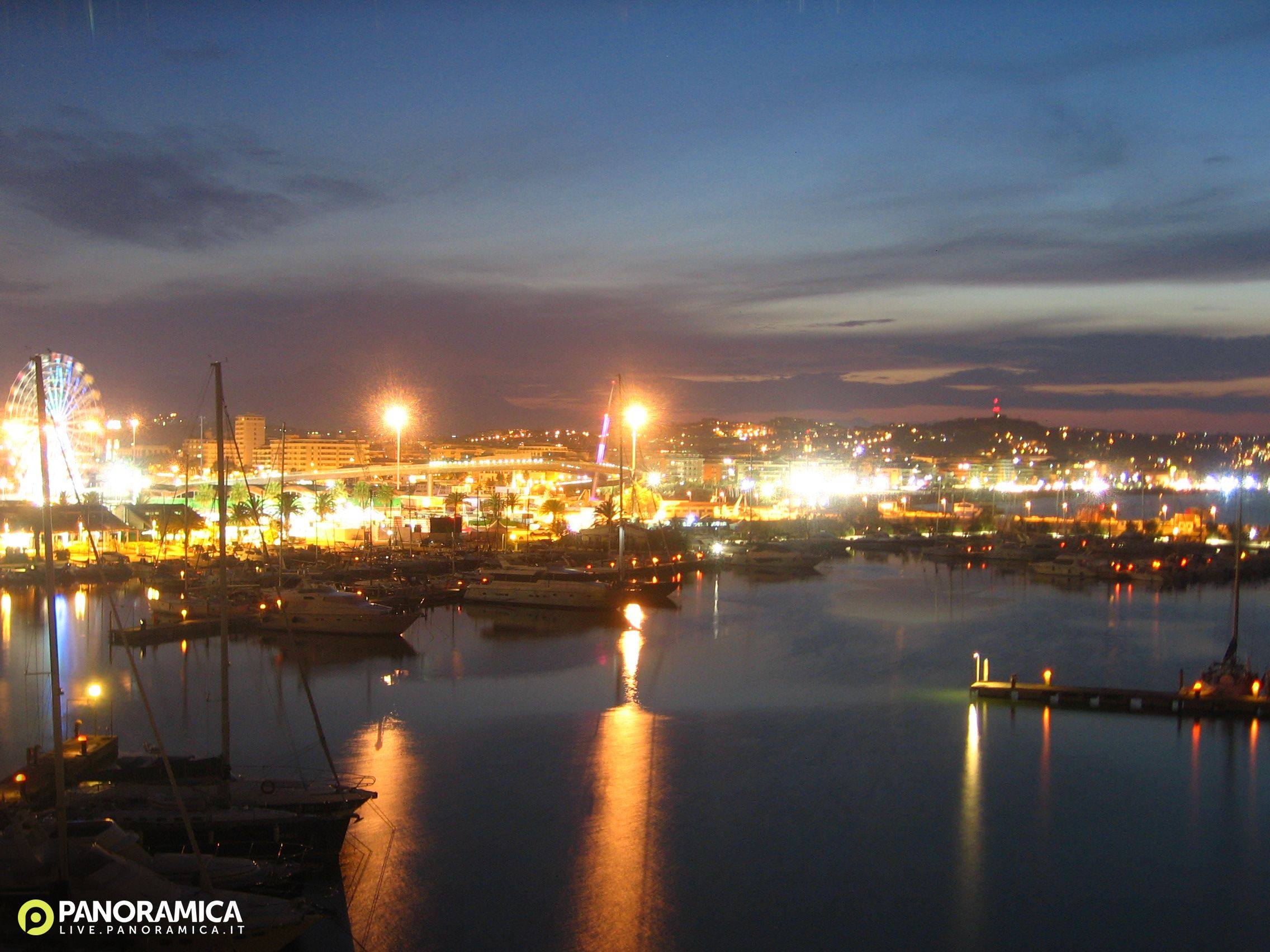 Pescara Camera Live : Pescara live panoramica.it: foto del 16 08 2018 21:00